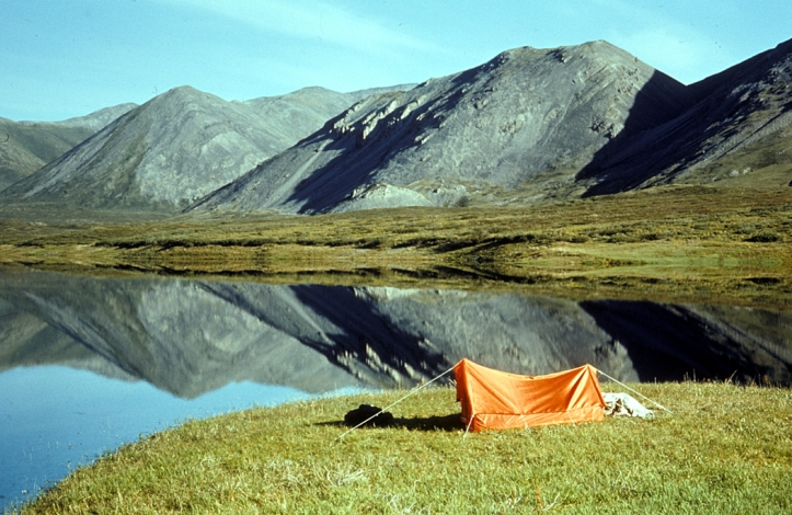 Camping_on_unnamed_lake_in_Brooks_Range