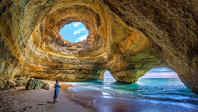1. Algarve